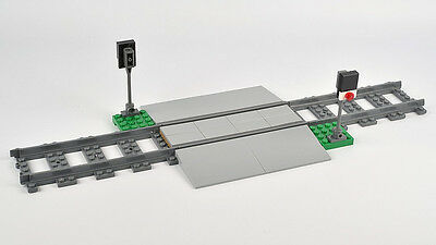LEGO City Train Crossing c/w 3 Straight Tracks BRAND NEW from set 60098