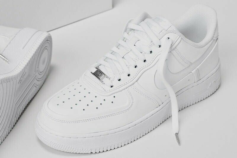 Men Nike Air Force 1 Low All White Size US 9.5 shoes