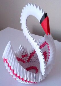How to make a 3D origami diamond pattern swan - YouTube | 300x214
