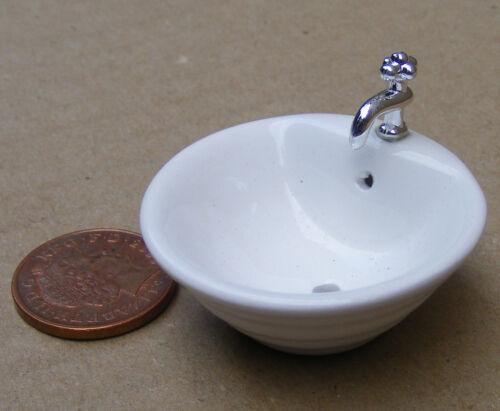 Escala 1:12 Disipador de cerámica redonda /& Ajustada Grifo tumdee Casa De Muñecas Accesorio 664