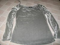 Deb Gray Long Sleeved Top Size Junior Small
