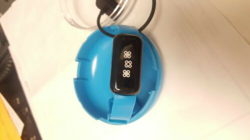 UNICEF kid Power Band blue with charger