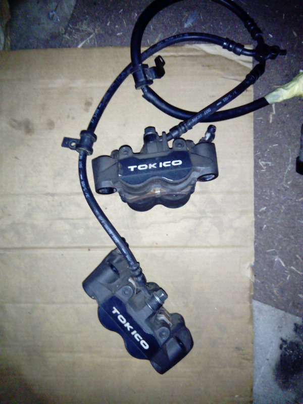 2010 cbr600rr front calipers