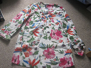BLOUSE-SIZE-8-M-amp-CO-NEW-WITH-TAG-PRETTY-FLORAL-COTTON-V-NECK-WITH-4-BUTTON