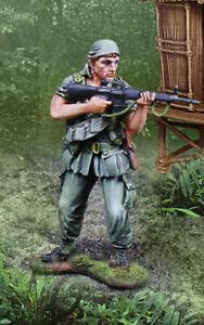 Collectors Showcase Guerre du Vietnam CS01025 PLATOON Tom Berenger comme Sergent Barnes Comme neuf IN BOX