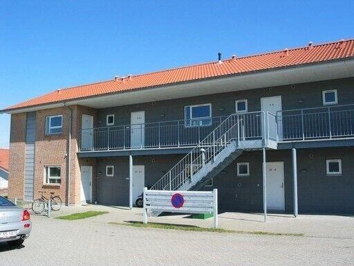 8800 vær. lejlighed, m2 28, Hamarvej