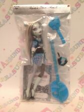 Monster High Doll - Frankie Stein - School's Out Wave 2 - Great Condition