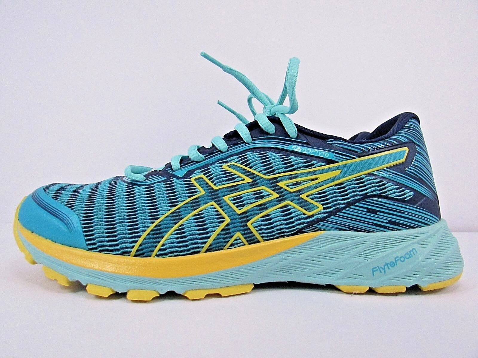 WOMEN'S ASICS DYNAFLYTE Größe 7   RUNNING Schuhe  WORN LESS THAN 10 MILES