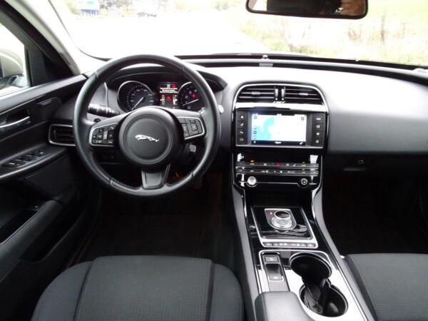 Jaguar XE 2,0 P200 Pure aut. billede 7