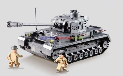 New WWII German Panzerkampfwagen IV Tank w 2 Minifigures Military Building Block