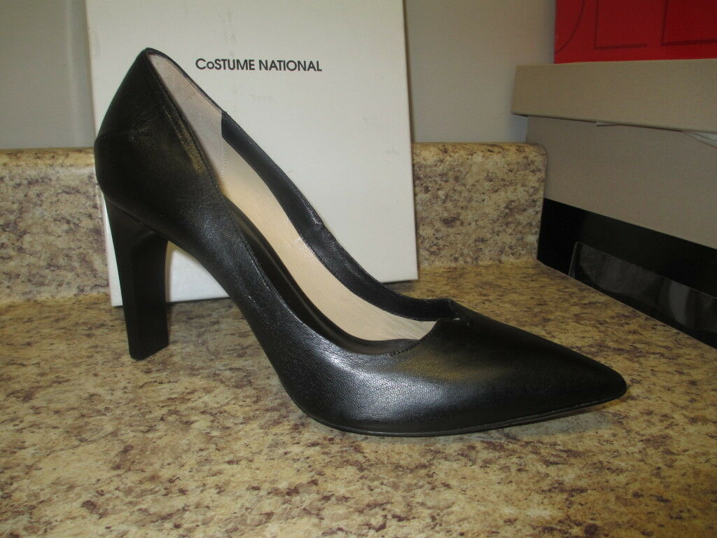 risposte rapide Costume National National National Pointy Pump (Euro 38 = U.S. 7.5 M) nero Leather New with Box  vendita di offerte