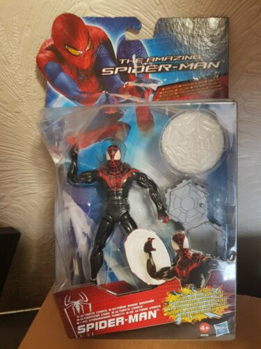The amazing Spiderman with web shield and stand comic series