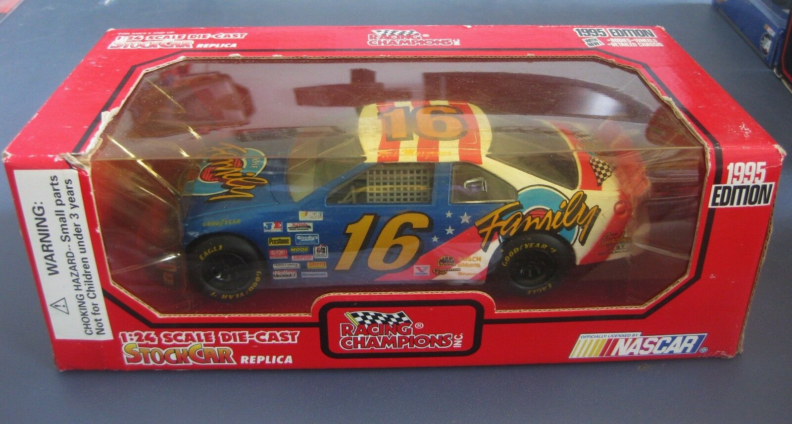 TED MUSGRAVE THE FAMILY CHANNEL FORD 1995 RACING CHAMPIONS 1 24 DIE CAST