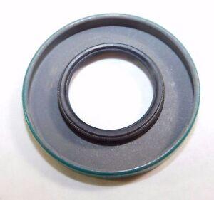 "SKF Nitrile Oil Seal QTY 1 1.0625/"" x 2/"" x .25/"" 10740"