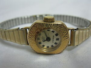 Alte Ruhla Damenuhr top Zustand und funktioniert 14 Karat vergoldet Sammleruhr