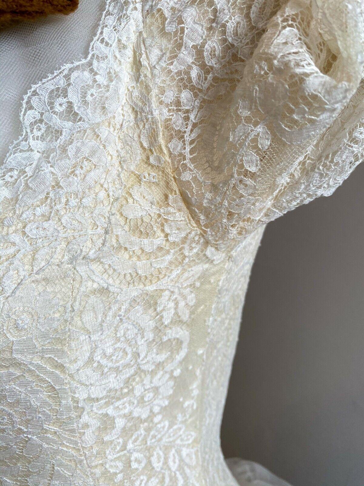 1950's Vintage Wedding Dress Lace w/Juliet Cap & … - image 7