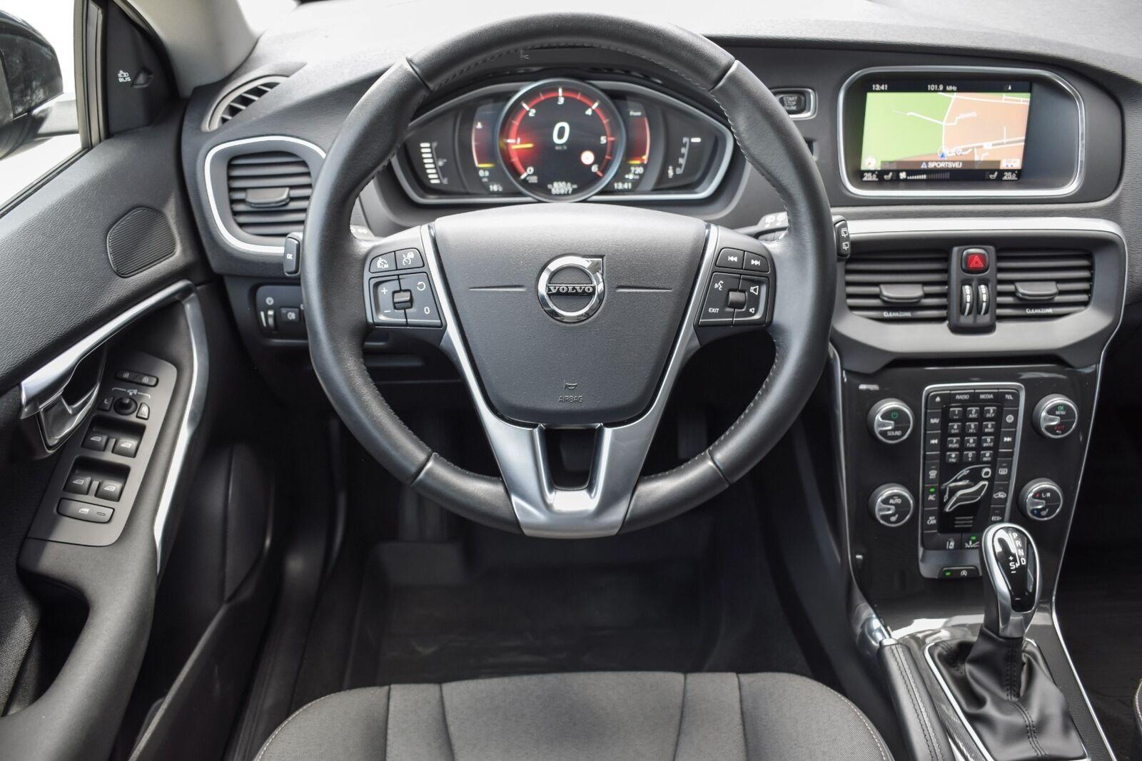Volvo V40 CC 2,0 D2 120 Momentum aut. - billede 5