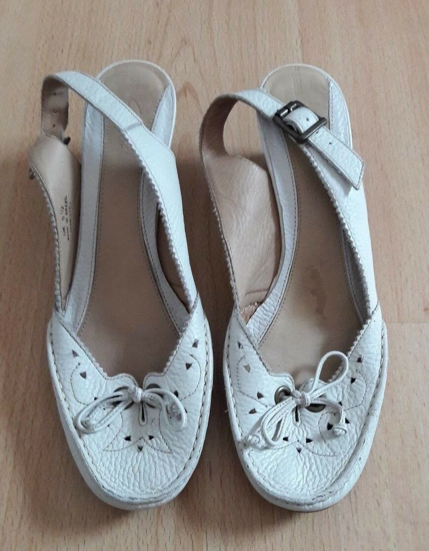 Gorgeous - Cream Leather Upper Sling Back Shoes by Clarks - Gorgeous Size 5.5 - Fab! a44f2e