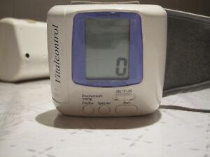 Breuer-Blutdruckmesser-VC-10-incl-Aufbewahrungsbox