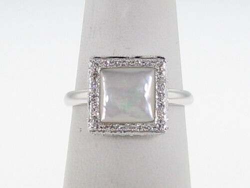 Mother of Pearl Genuine Diamonds Solid 18k White gold Ring