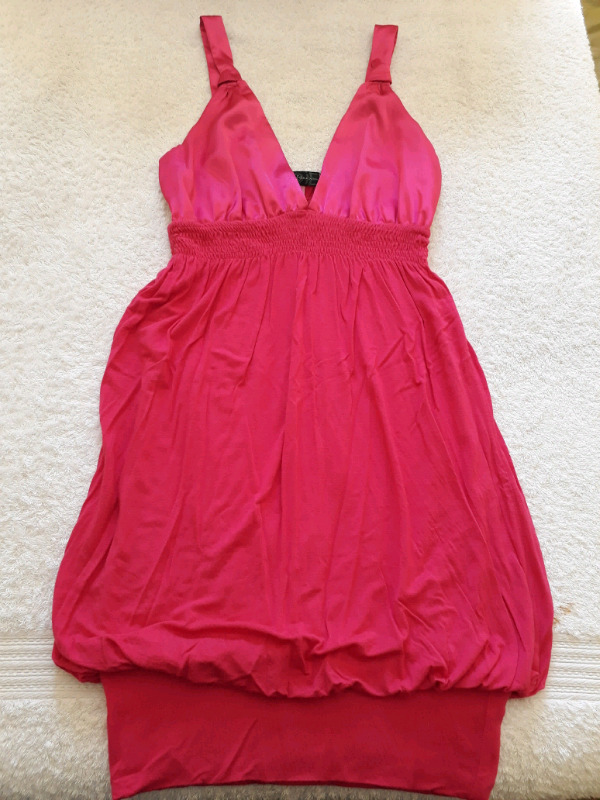 Pre-loved/good condition clothing (R100 - R150)