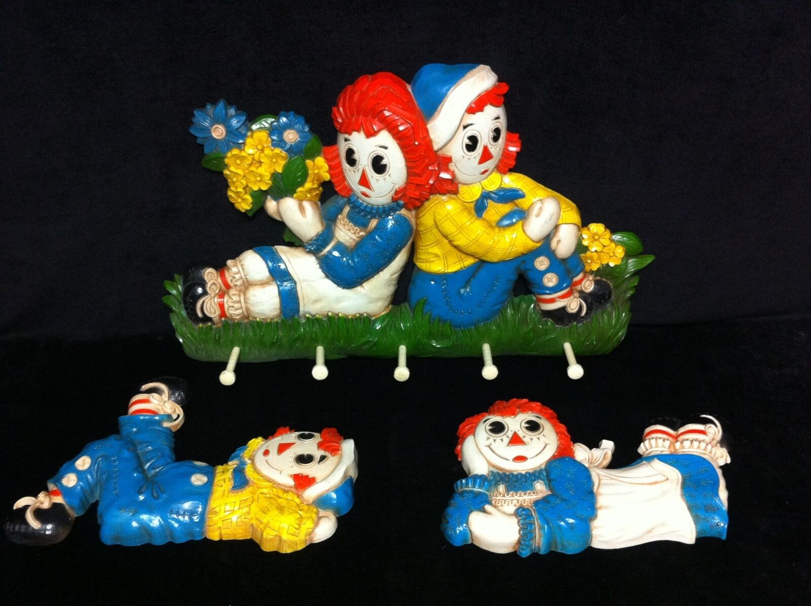 Vintage 1977 Bobbs Merrill Raggedy Ann and Andy Wall Plaque Art 7505 7506 & 7508