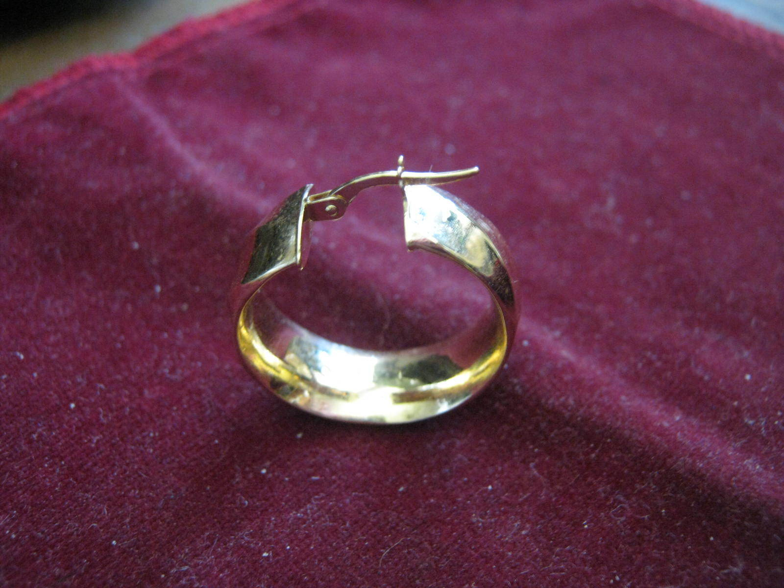 ONE Swirled Ribbon Design 14K YELLOW gold 15 16  Cuff Earring MILOR ITALY Lqqk