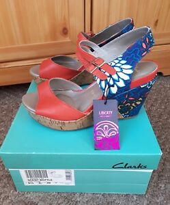 Clarks 5 Sandalia Rojo Azul Plataforma Cuña ancho Cuero Coral E floral Estampado Estampado 5 11qr6