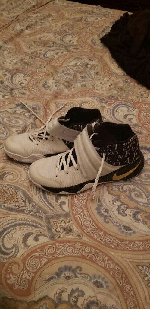 Kyrie 2 (Size 10.5)  Cheap and fashionable