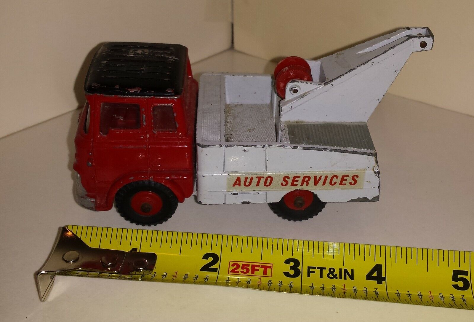 Dinky Tow Truck 434 Auto Services Crash Truck (164)