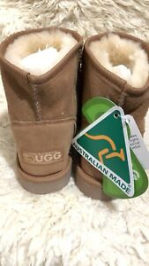Short Chestnut 38 Australia Liquidación stock de Ugg Classic Ever Eur Mini qq80wA