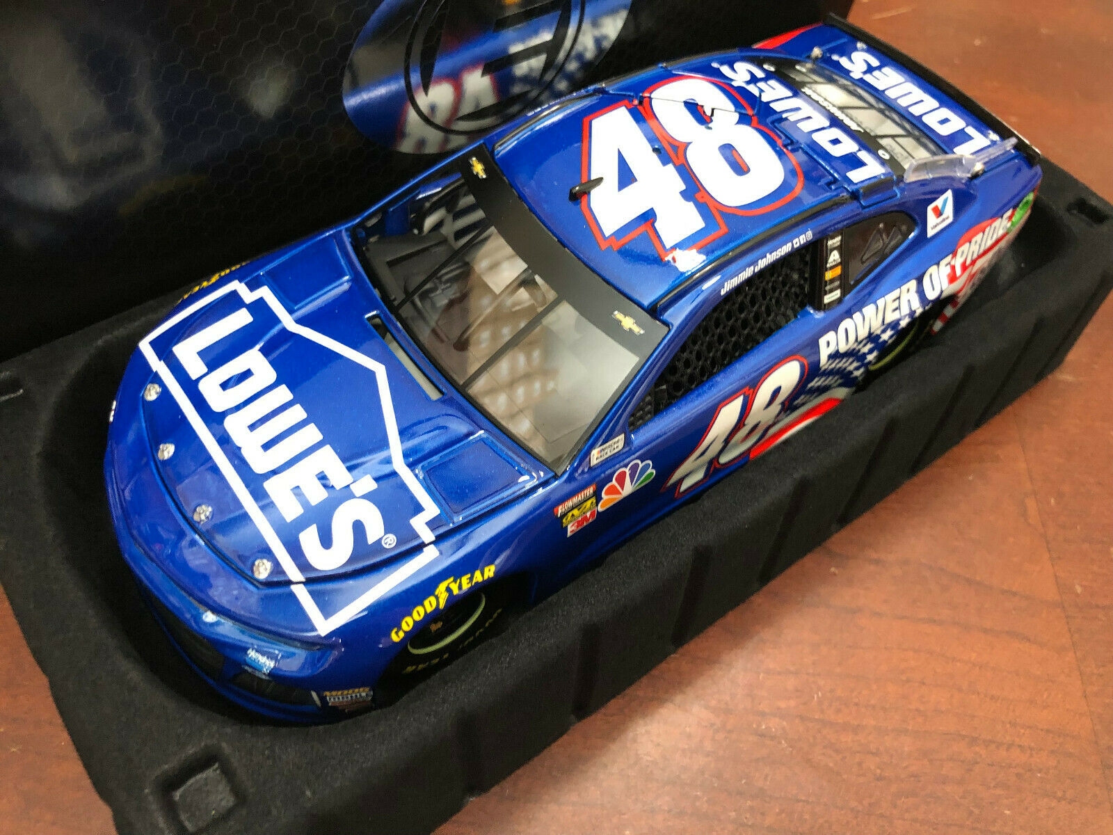 2018 Jimmie Johnson Lowes Power of Pride 2001 Tribute w  Ally ELITE car 1 of 208