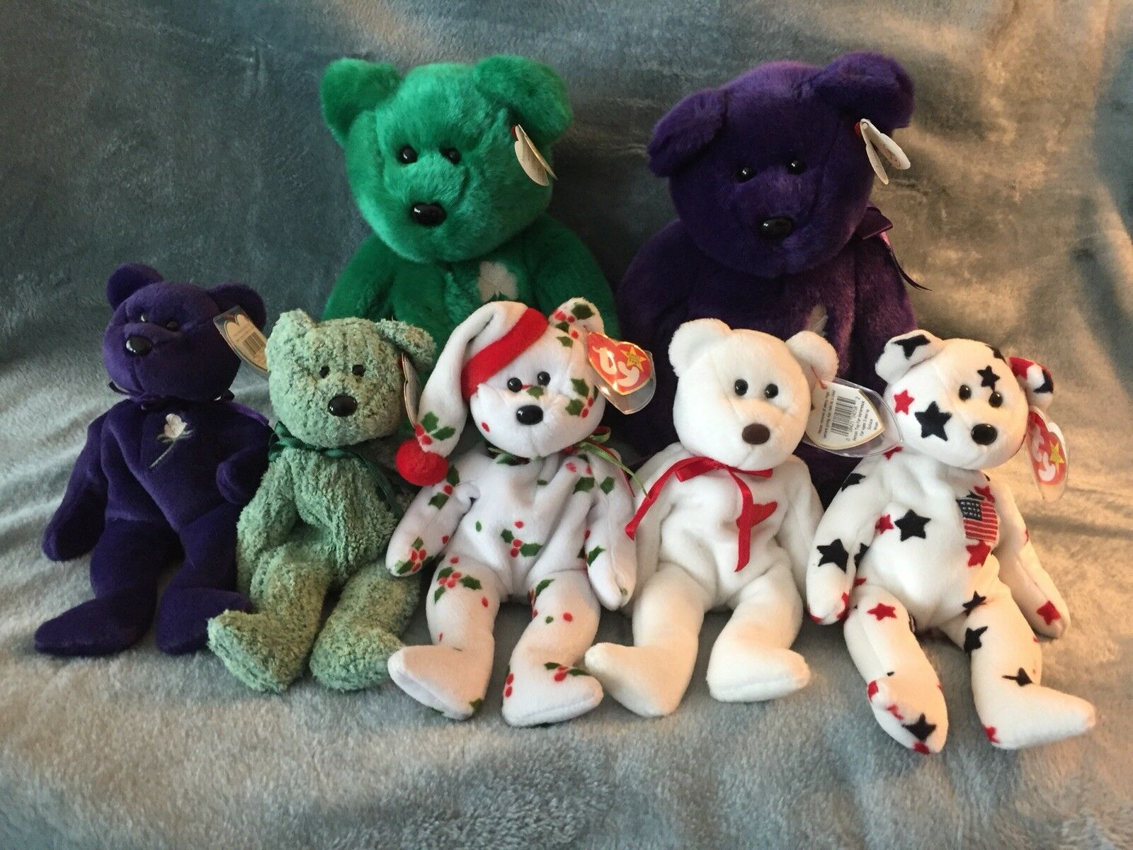 Beanie Baby bears - Group of 7 , Two Full Size Bears and Five regular bears.