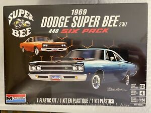 Revell Plastic ModelKit Monogram Auto 4505-1969 Dodge Super Bee 1:24