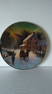 1988-Avon-Home-For-The-Holidays-Christmas-Plate-22k-Gold-Trimmed
