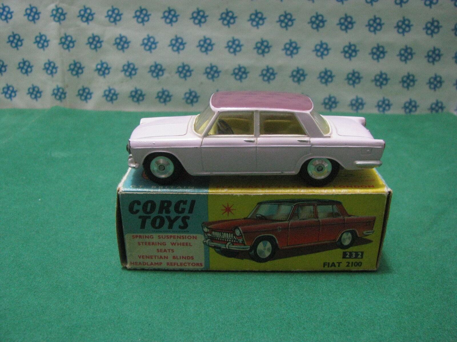 Vintage -  FIAT 2100  BiColoreeee   -   Corgi Toys 232   Nuova    Mint  Box