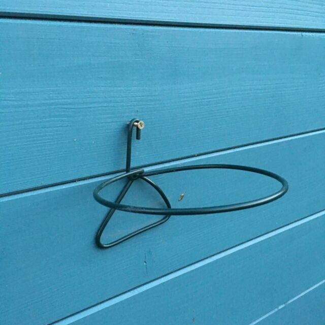 """6 PLANT POT HOLDERS HANGERS RINGS.HANG 5/"""" FLOWER POTS on SCREW IN FENCE WALL.G"""