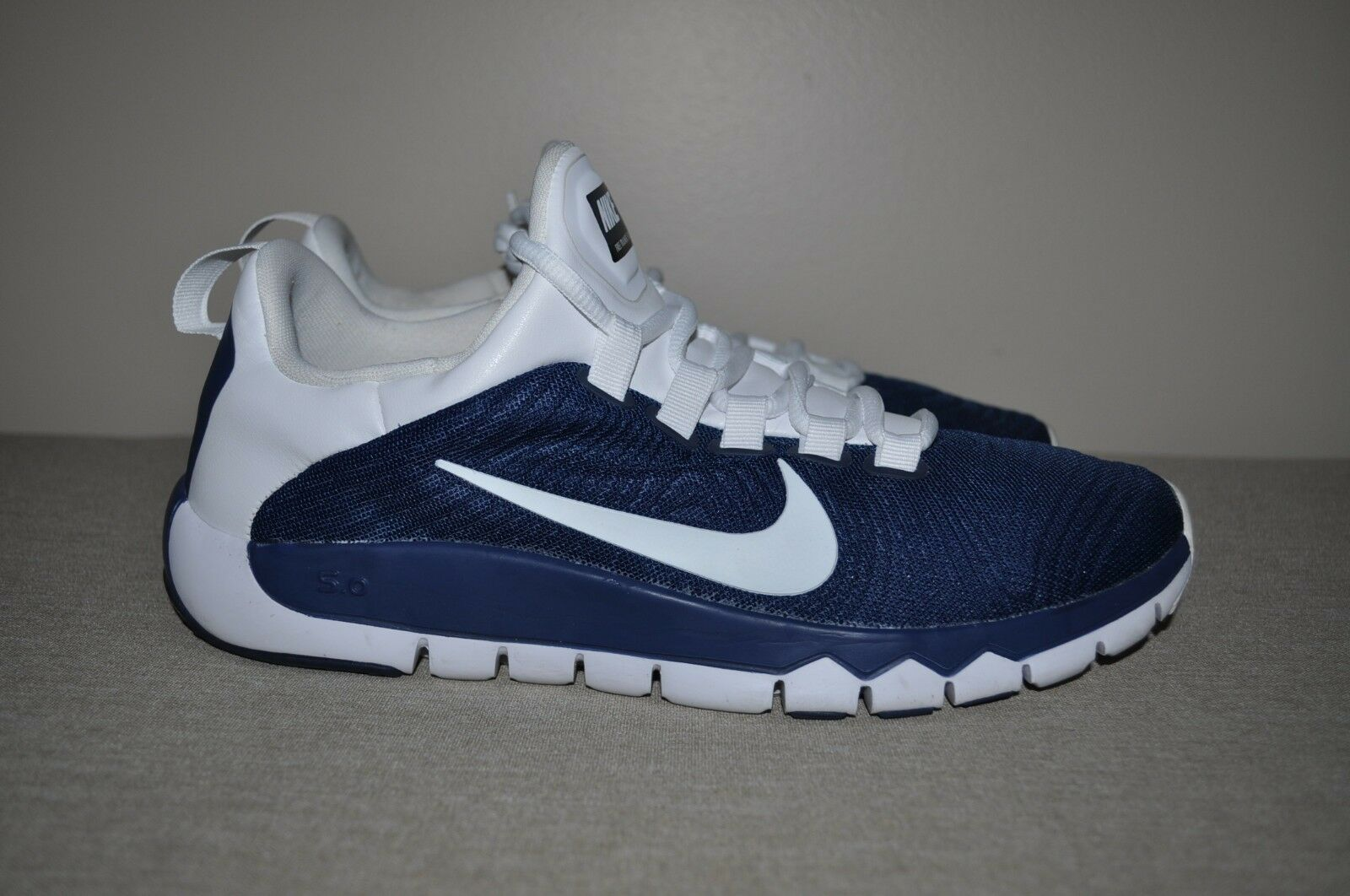Nike Men's Free Trainer 5.0 Navy bluee & White Athletic shoes Size 9