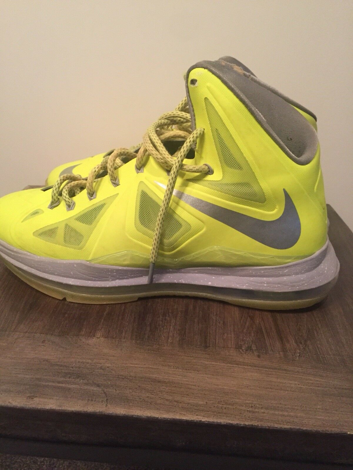 2012 Nike Lebron X 10 Size 10 Volt Grey Neon Basketball Shoe Nike Air