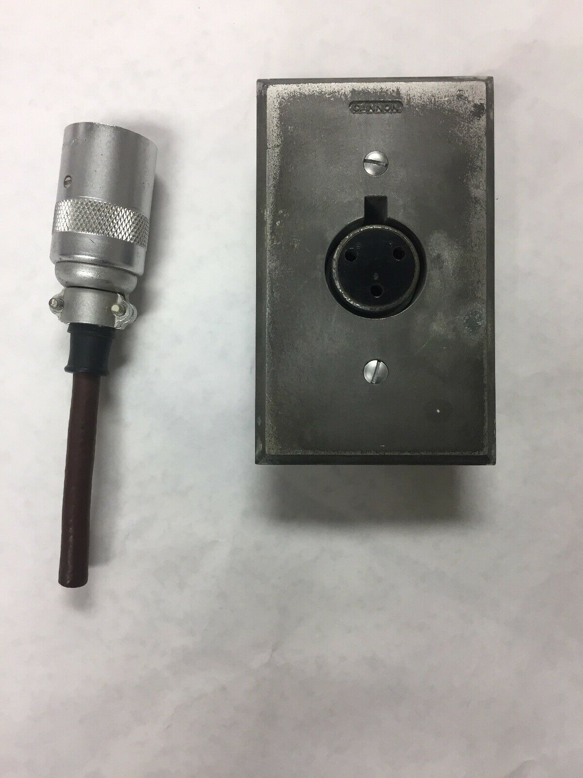 Vtg Cannon P3-CG-12-S Microphone 3-Pin Audio Studio Connector Metal Cover Lot