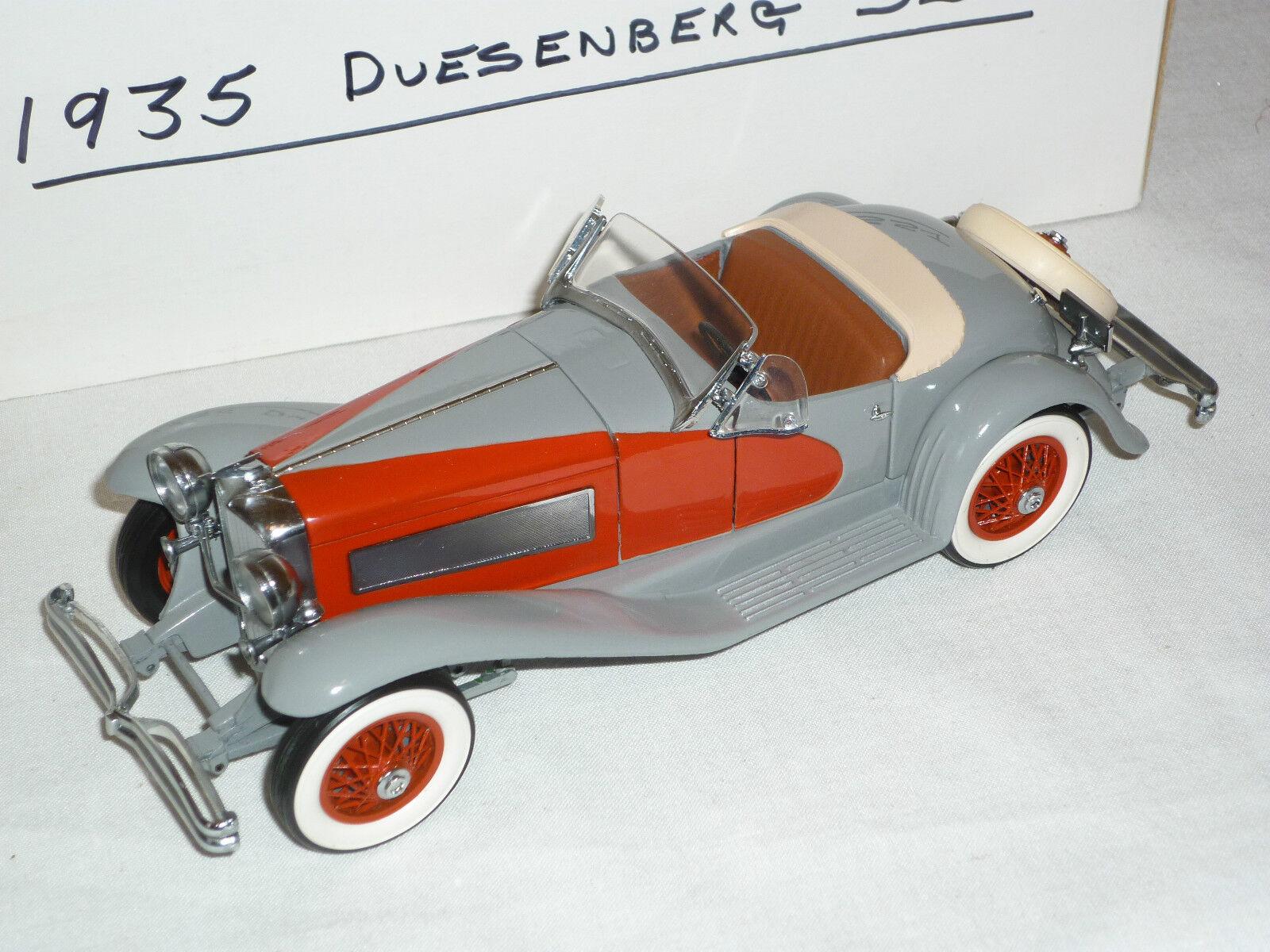 Un Danbury Comme neuf échelle voiture modèle de 1935 Duesenberg SSJ, boxed