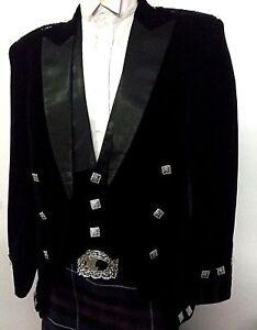 Regulation Doublet Black Velvet With 3 Buttons Vest And Black Satin Lapels