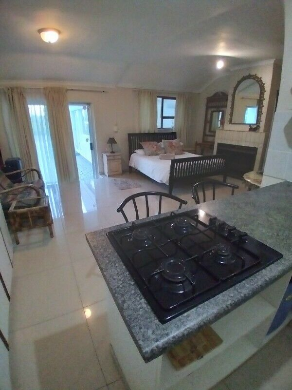 Bachelor flat to rent R6200