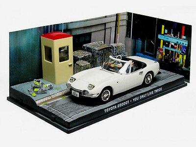 wonderful modelcar  TOYOTA 2000GT 1967 007 - white  - scale  1/43