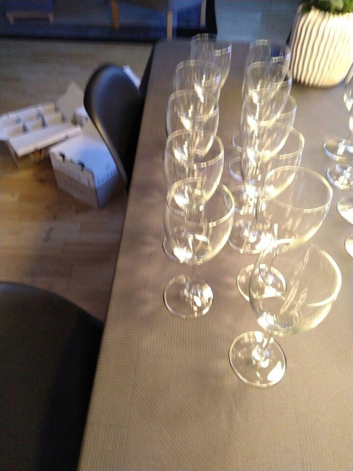Glas, Vinglas, Rødvin og hvidvin glas