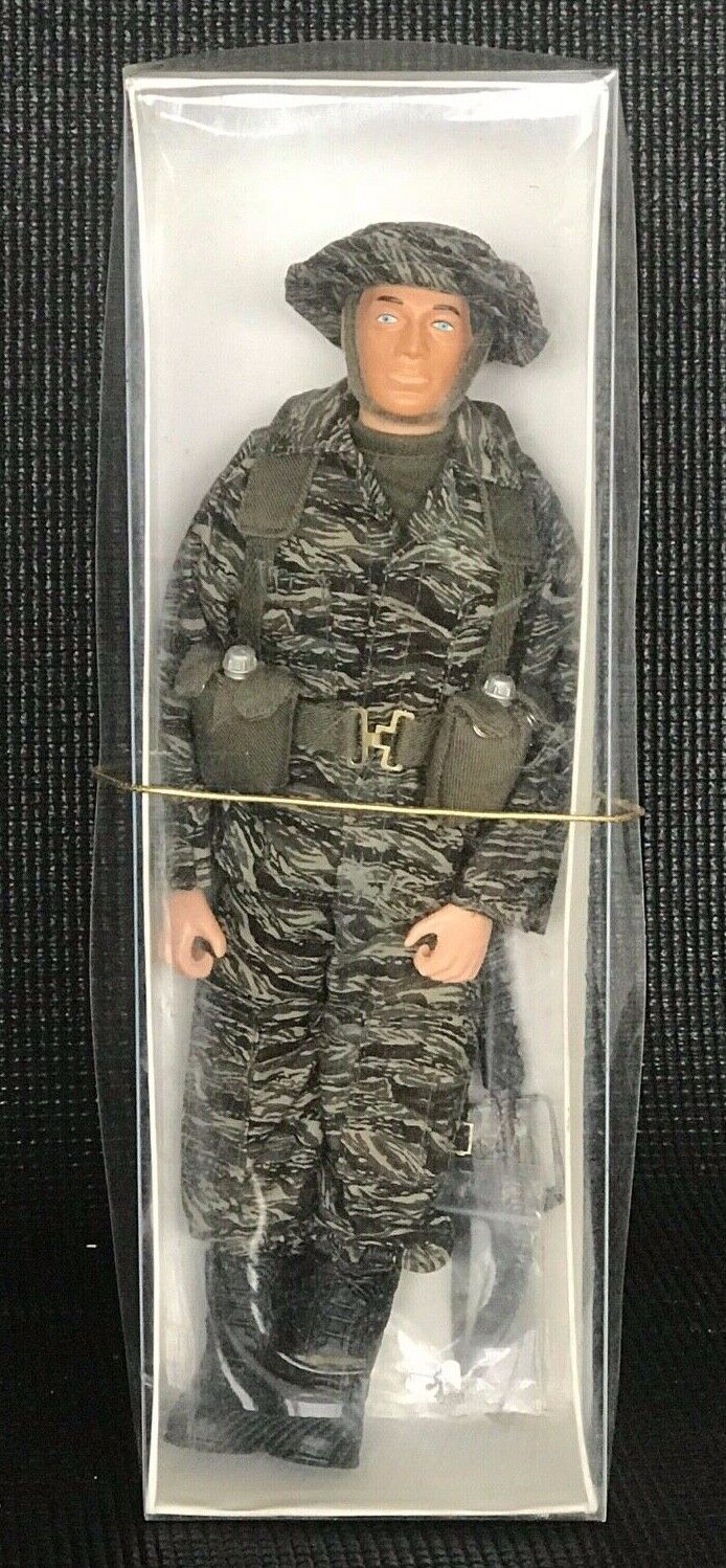 Cotswold Collectibles The Elite Brigade 12  Action Figure 1 6
