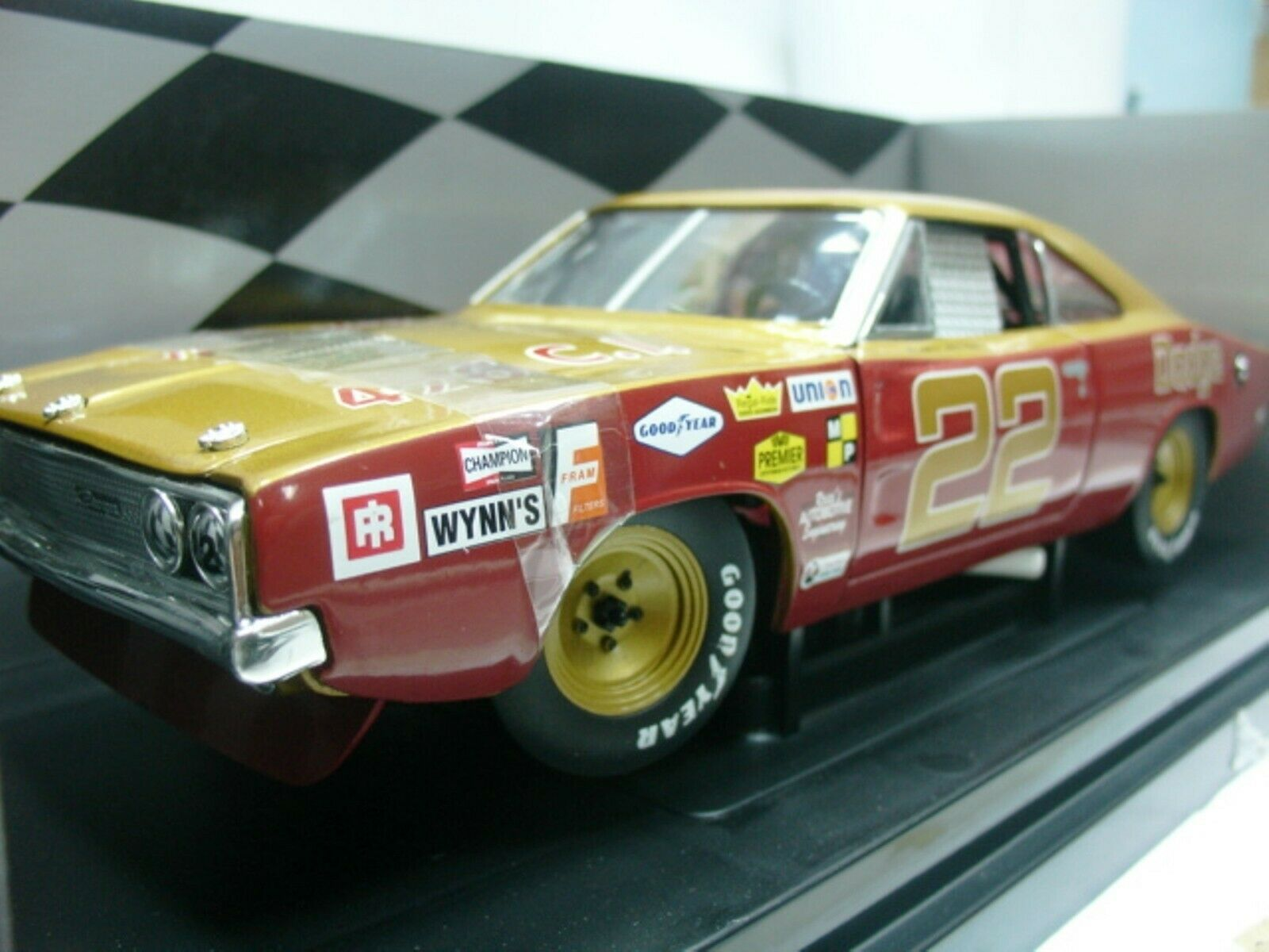 WOW EXTREMELY RARE Dodge Charger 500 Bob Allisson NASCAR 1969 1 18 RC2 ERTL