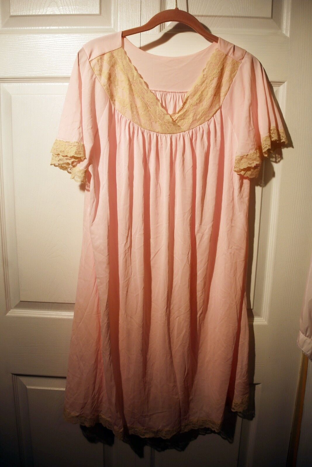 Vintage lingerie, Gilead nightgown, pink size large