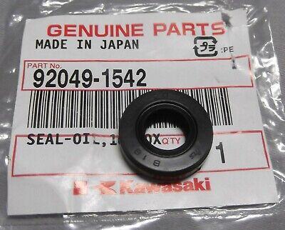 Fits Kawasaki Sprocket Shaft Oil Seal 94-96 06-10 KLX250 97-07 KLX300 45x32x7mm