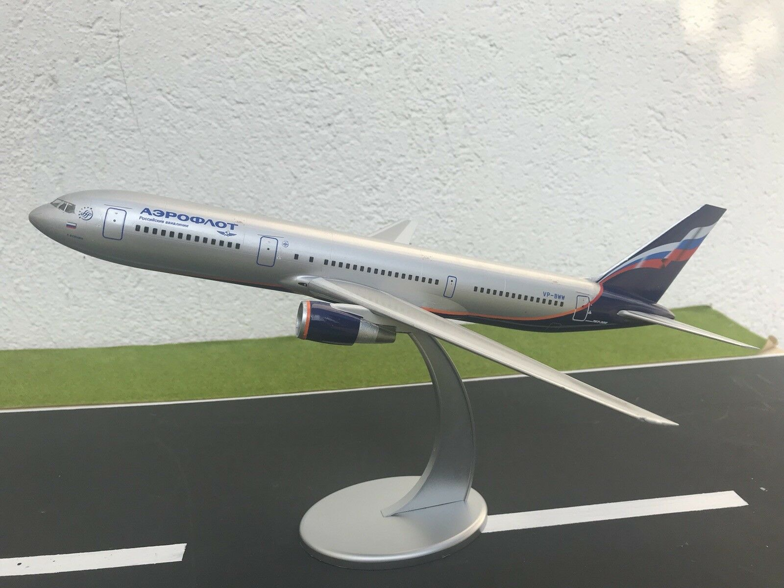Boeing 767-300 Aeroflot Bureau model, échelle 1 144